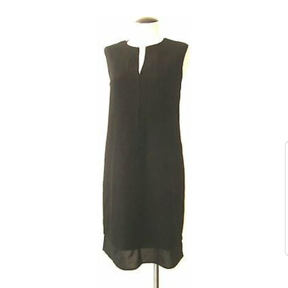Carmen Marc Valvo Dresses & Skirts - Carmen Marx Valvo Sleeveless Dress